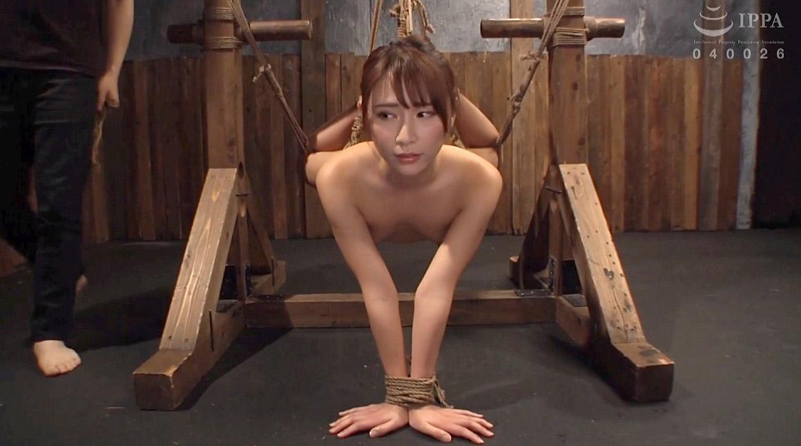 屈辱的な苦痛の拘束をされる女、SM完全拘束されるM女の惨めなエロ画像 花咲いあん -SMJP