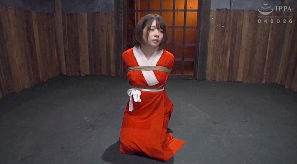 縛られて服従の姿勢でSM調教を待つ女の画像 麻里梨夏-SMJP