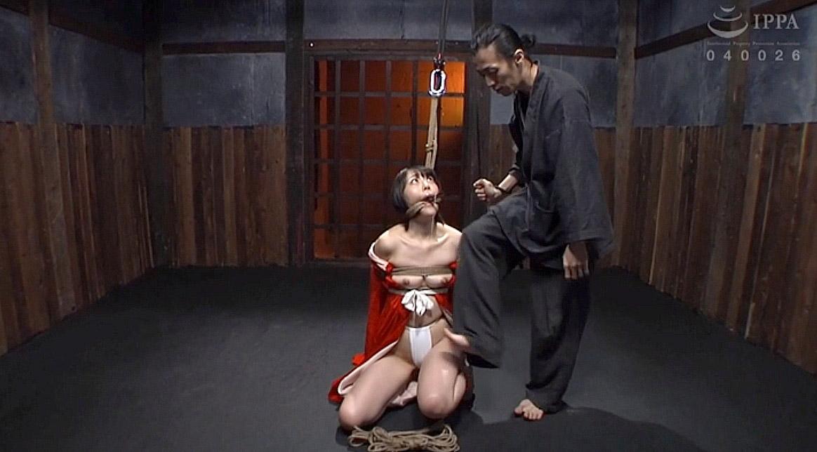 SM調教画像 正座させられて縛られて踏まれるM女の画像 七海ゆあ -SMJP