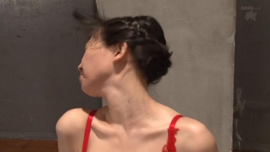 激しいビンタをされる女 鈴木心春 SM調教画像 -SMJP