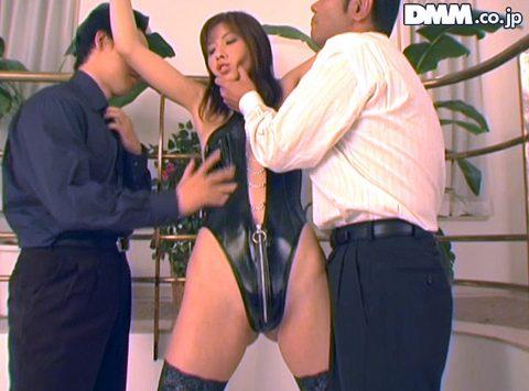 拘束されて顎を掴まれる女のエロ画像 立花里子 -SMJP