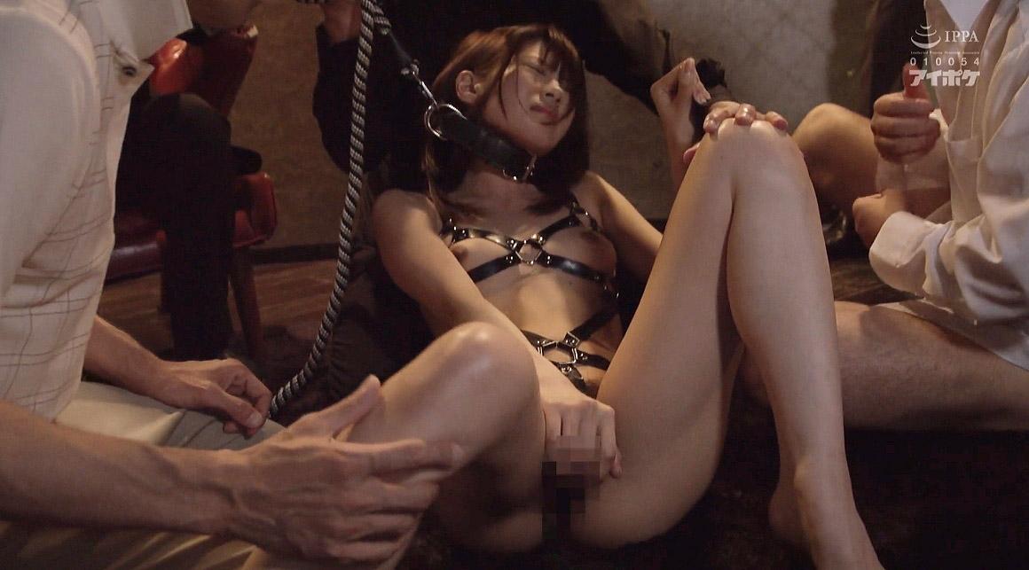 首輪をつけられリードを乱暴に引っ張り上げられ奴隷調教される女のSM画像 相沢みなみ-SMJP