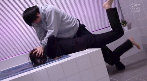 水責めされる女、着衣のまま襲われて水責めされる女の画像 川上奈々美/SMJP