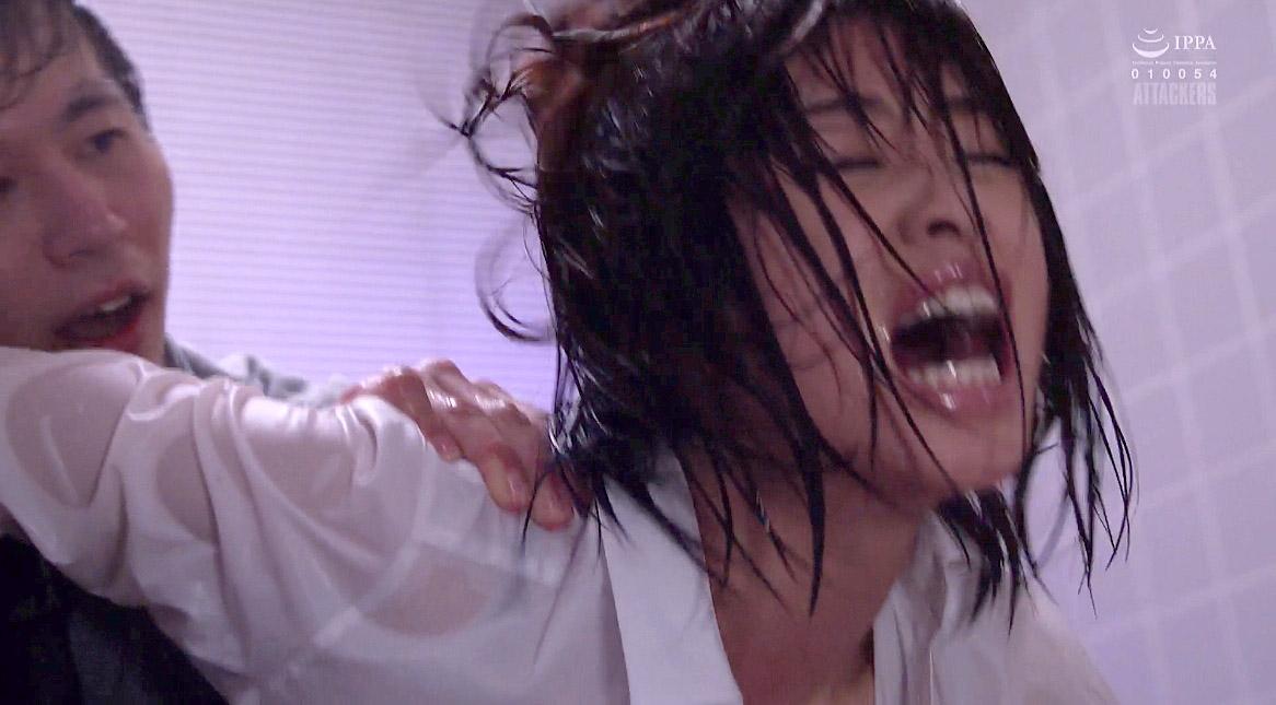 乱暴に犯される女、ずぶ濡れで髪の毛鷲掴みで引っ張られる女の画像 川上奈々美/SMJP