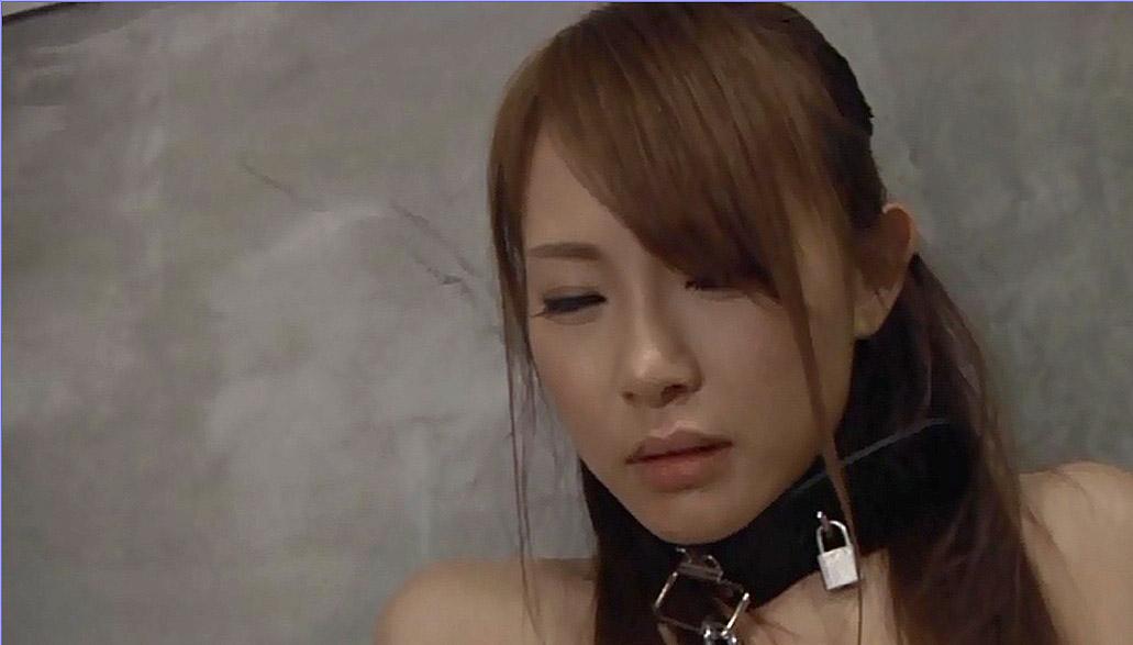 首輪女子、首輪をつけられ惨めで辛い表情で耐える女 小西悠/SMJP