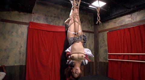 逆さ吊りにされる女、SM緊縛調教で逆さ吊りで苦しめられる女 美咲結衣/SMJP