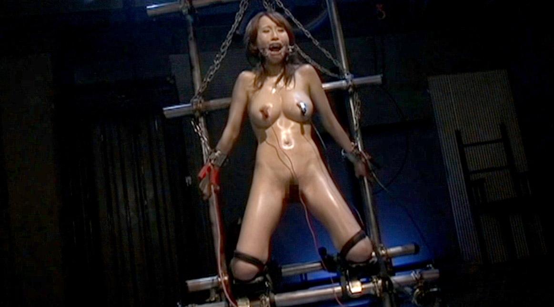 SM電流責め、拘束されて両乳首に電極をつけられSM電流責めされる女 美咲結衣/SMJP