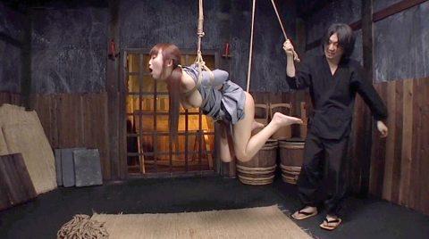 SM拷問緊縛調教、SM緊縛調教で少ない縄で吊り上げられる女 美咲結衣/SMJP