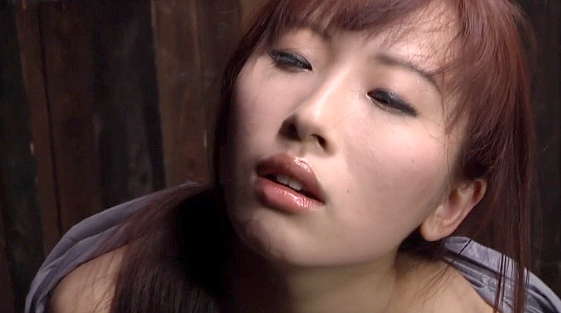 ビンタされる女、何十発も往復ビンタされて呆然とする女 美咲結衣/SMJP