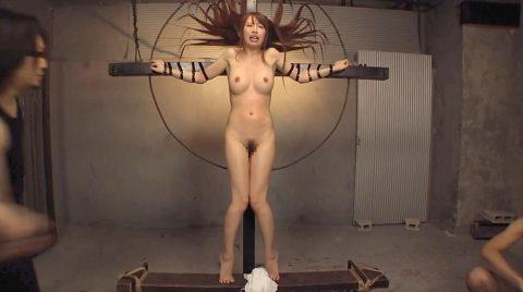 一本鞭調教画像強烈な一本鞭連打に身体を硬直させる女の画像 美咲結衣/SMJP