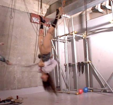 逆さ吊り鞭打ちSM調教される女の画像 水野ほとり/SMJP