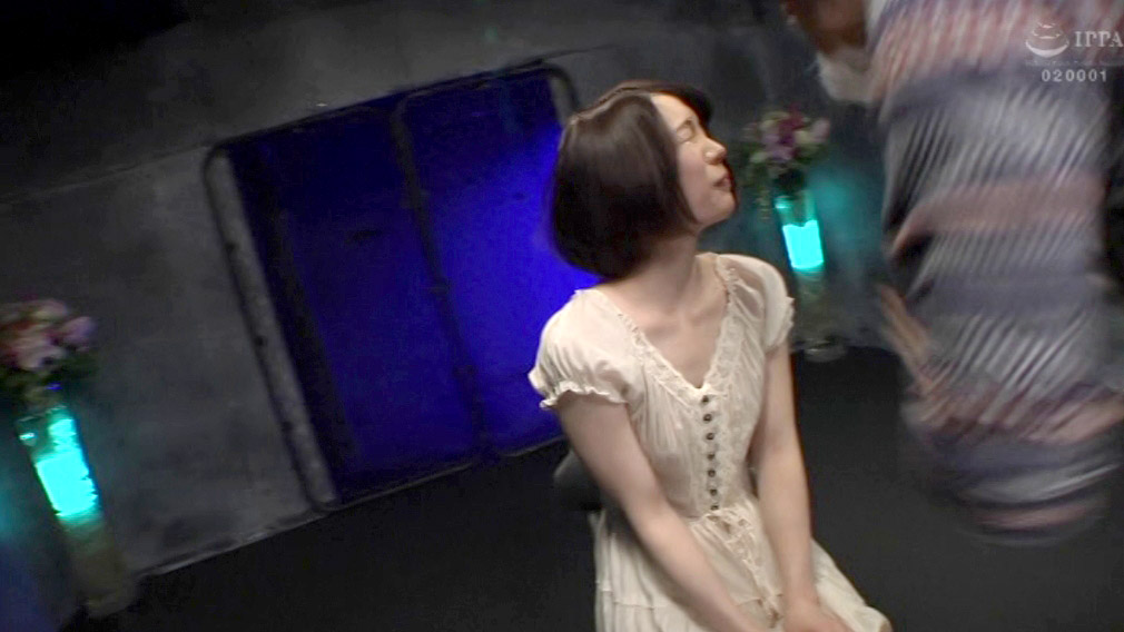 ビンタされる女のエロ画像、強烈マジビンタされる女のエロ画像 鈴村あいり