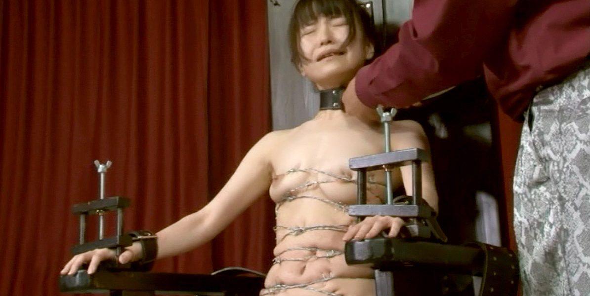 有刺鉄線を巻かれて鬼畜拷問調教を受ける女の画像 うりーSMJP