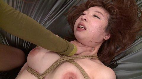 SM調教画像、縛られて首を絞められて苦しむM女の画像 かなで自由
