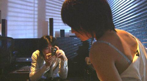 ドラマライフエロシーン、服を剥ぎ取られ 下着姿を撮影される TVエロシーン 北乃きい