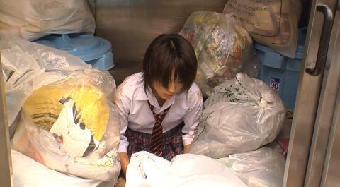 ゴミ箱に入れられる女、テレビドラマいじめシーン ゴミにまみれる女優 北乃きい
