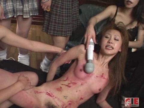 同性集団リンチ画像、女同士の性的いじめリンチでズタボロに犯される女の画像 君嶋もえ/SMJP=なおとSM=
