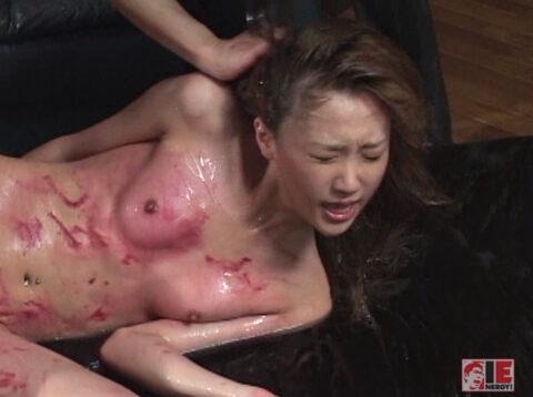 暴力的に犯される女の画像、髪の毛鷲掴みで引っ張られて乱暴に虐げられる女のエロ画像 君嶋もえ/SMJP=なおとSM=