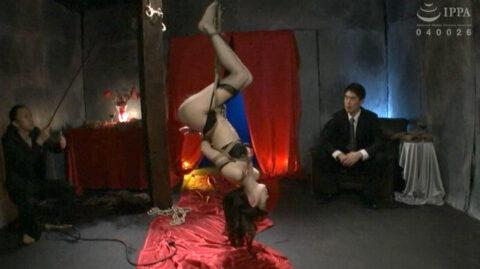 SM調教される美女の画像、逆さ吊りにされてSM緊縛調教される女の画像 有坂深雪/SMJP=なおとSM=