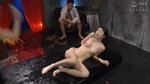 SM拷問されるスレンダー美女画像、水責めされて鞭で叩かれ情けなく惨めな表情の女の画像 有坂深雪/SMJP=なおとSM=
