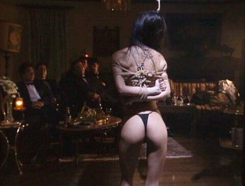 CMNF SM調教画像、大勢の観衆の前で全裸で麻縄緊縛されてSM調教される女のCMNF画像 芦屋瞳/SMJP=なおとSM=