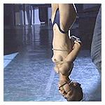 逆さ吊りにされるSMビデオAVエロビデオ画像、夏目雅美